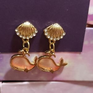 Shell stud earrings with light pink/peach whales